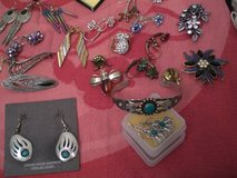 ASSORTED JEWELRY in Stuttgart, GE